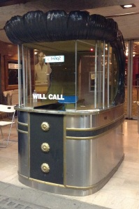 Here's the ticket booth. It looks like it's from the 40s. Very streamlined.