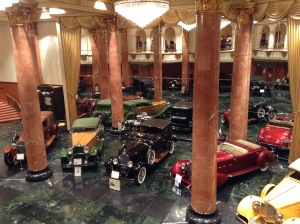 It's supposed to resemble a car showroom from the 1920s.