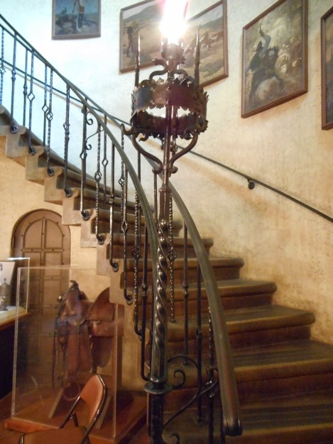 The entrance to the home has a great staircase that my camera was only able to partially capture.